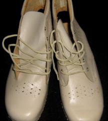 izvrsna radna anatomska obuća veličina 39