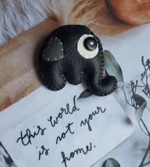 broš - crni slonić od eko kože-ručni rad