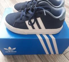 Adidas 27