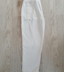 Reserved bijele hlače ❌❌50kn❌❌