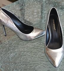 Srebrne lakirane cipele