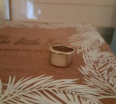 Srebrni prsten 925 sa sedefom rezervirano