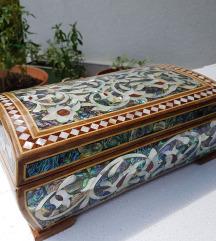 Antikna kutija za nakit, ručni rad