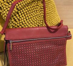 Bordo crvena srednja torbica