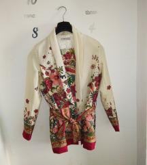 Cvjetni kimono i hlače