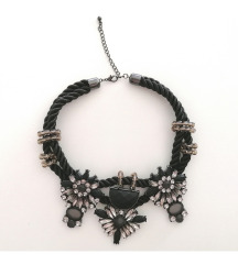 H&M ogrlica (pt gratis)