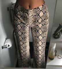 ZARA zvono hlače zmijskog uzorka