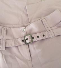 Pastelno lila široke hlače visokog struka