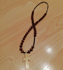 Ogrlica s križićem od bjelokosti