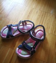 Oshkosh sandale 29