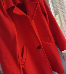 Crveni kaput ravan kroj