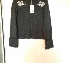 Zara tamno sivi pulover s cirkonima novi