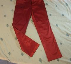 Crvene svilene hlače