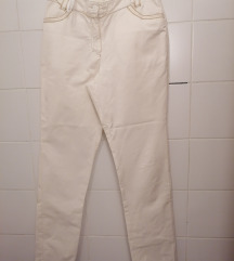 Bijele hlače otpornog materijala
