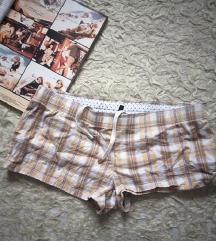 Benneton kratke pamučne hlačice