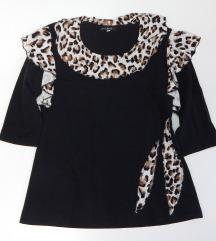 Crna majica sa leopard detaljima