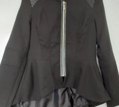 Crni asimetrični sako