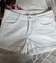 Kratke bijele jeans hlače iz H&M