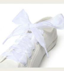 Bijele vezice za obuću od tila