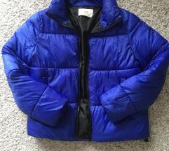 Stradivarius kraljevsko plava puffer jakna vel S