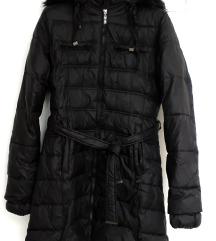 Zimska crna pernata jakna nikad nošena