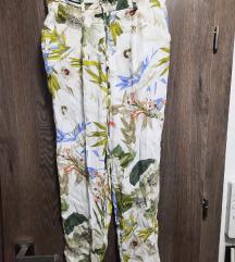 Zara cvjetne hlače - XS