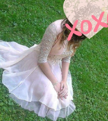 Predivna svečana haljina s tilom i čipkom