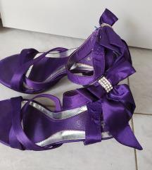 Sandale jednom nosene