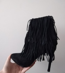 crne čizmice Zara, tanka peta, 38