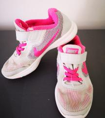 Tenisice Nike 28