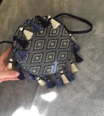Carpisa okrugla torbica sa resama