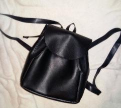 AKCIJA: Crni ruksak od umjetne kože