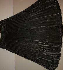 Plisirana suknja s metalnim odsjajem