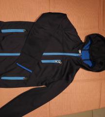 Proljetna jakna sa kapuljačom