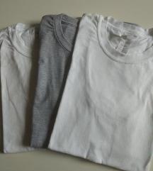 Lot dječjih majica kratkih rukava
