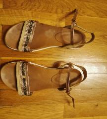 Ljetne zlatne sandale