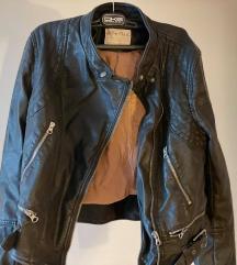 Prilika! Nenošenja jakna od umjetne kože!