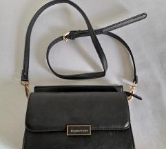 Crna mala kožna torbica