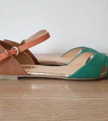 Sandale, nenošene, br. 39