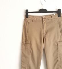 NOVE Sinsay hlače