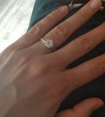 Prsten od kombinacije zlata 585 i cirkona %%739kn