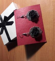Naušnice s ružom