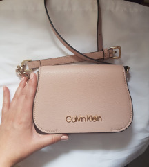 Calvin Klein puder roza torba