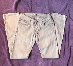 Sive lagane hlače