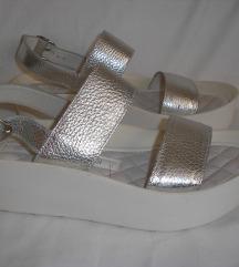 Antonella Rossi nove sandale