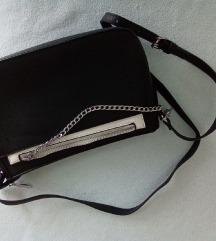 ✨ (65 kn s pt❣️) Crno-bijela 2u1 torbica NOVO