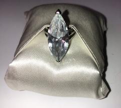Prsten sa kristalom