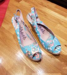 nove sandale vel 41