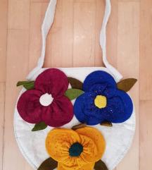 Unikatna ručno rađena vunena torba sa tri cvijeta