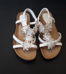 Lunar bijele sandale